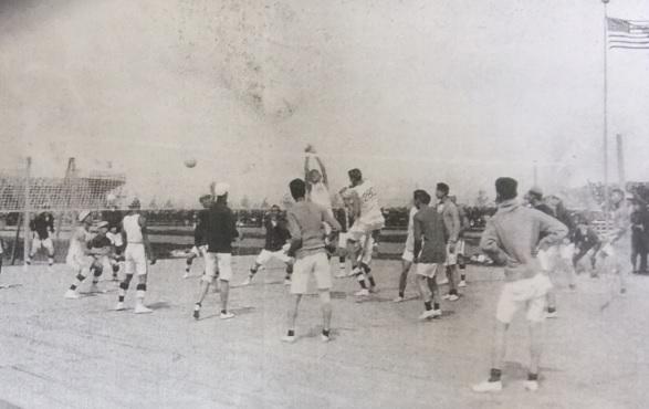 図2.第1回極東大会バレーボール競技 Kautz Family YMCA Archives, University of Minnesota