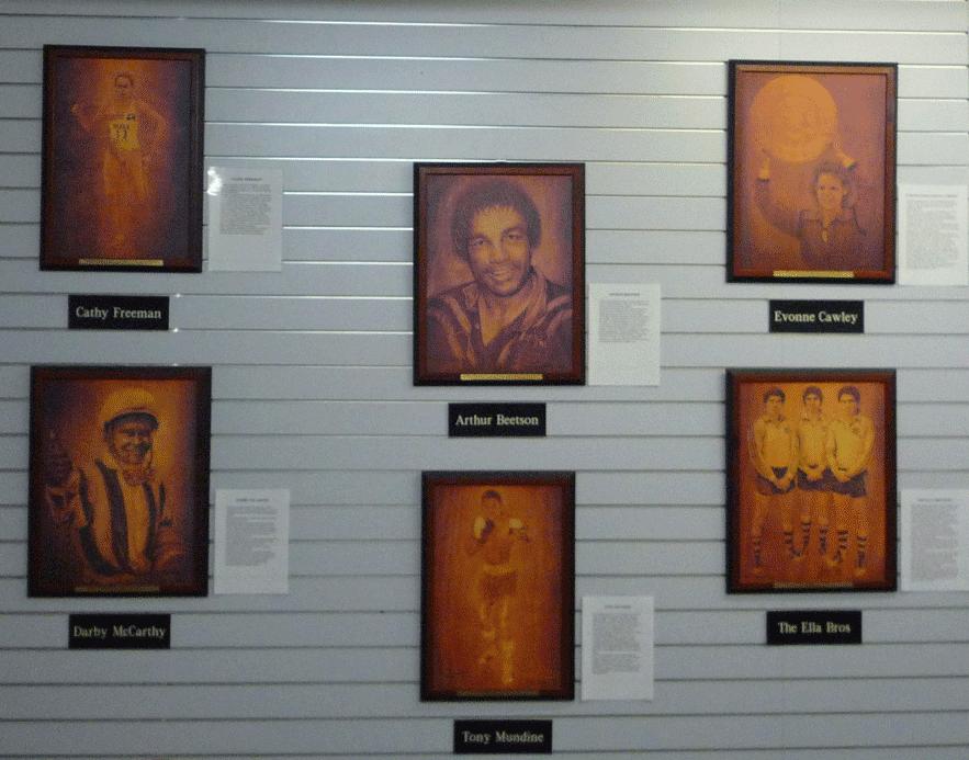 図10.ロックハンプトン近くのドリームタイム文化センターでは先住民の代表的なスポーツ選手の肖像を飾り、その功績を称えている。 筆者撮影
