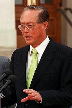 図5.シンガポール首相(1990~2004年)ゴー・チョクトン。リー・クワンユーの息子が彼の跡を継いだ。 https://www.en.wikipedia.org/wiki/Goh_Chok_Tong