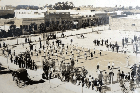 図6.ウルグアイの公共スポーツ施設(1910年代?)  著者所蔵