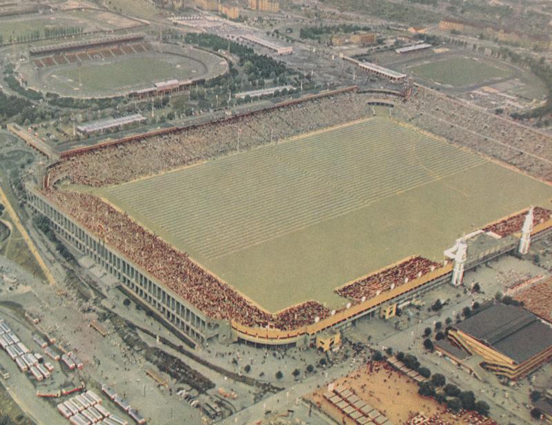 図1.ストラホフ・スタジアム(1955年) První Celostátní Spartakiada 1955, Praha, 1956
